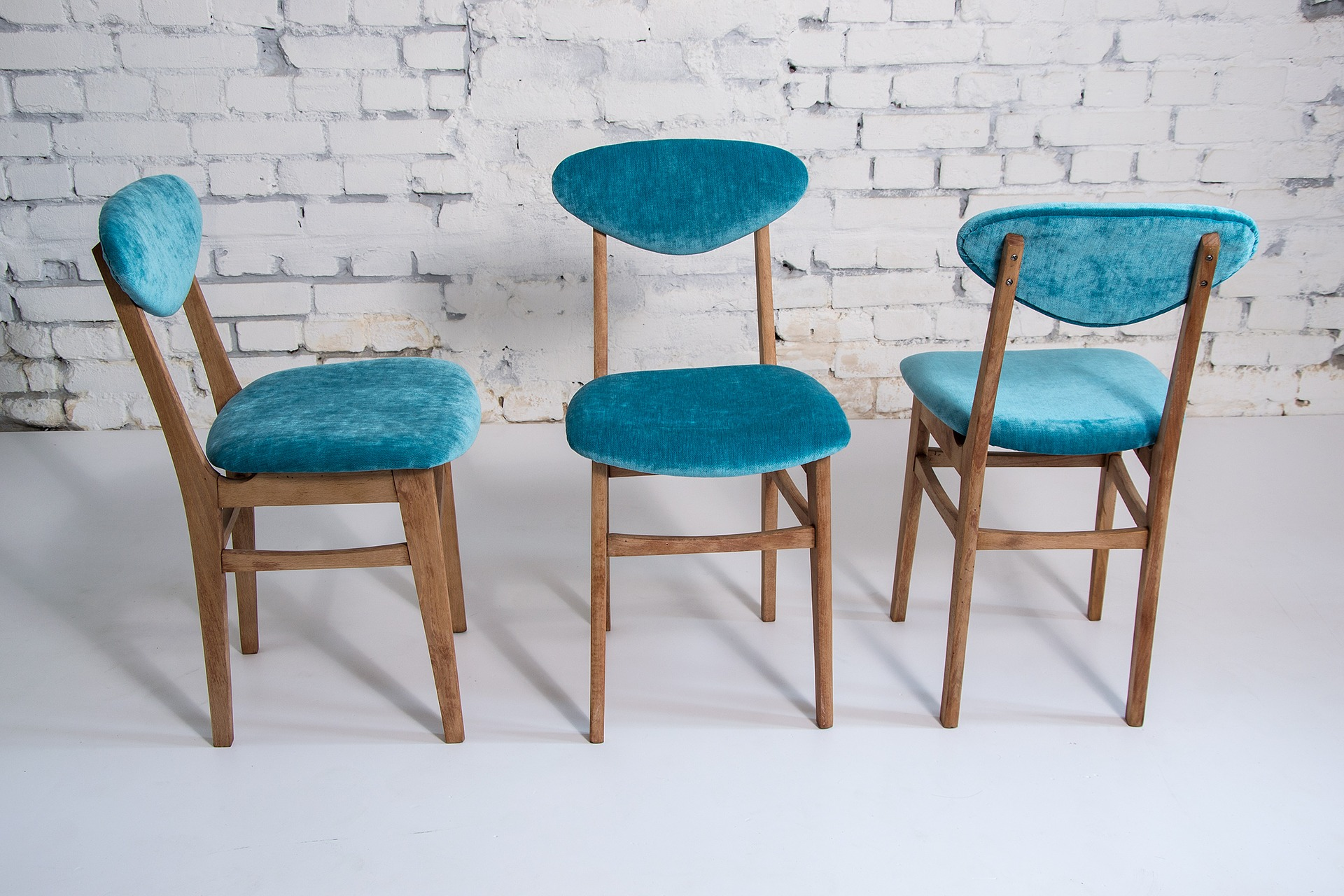 chairs-2160184_1920